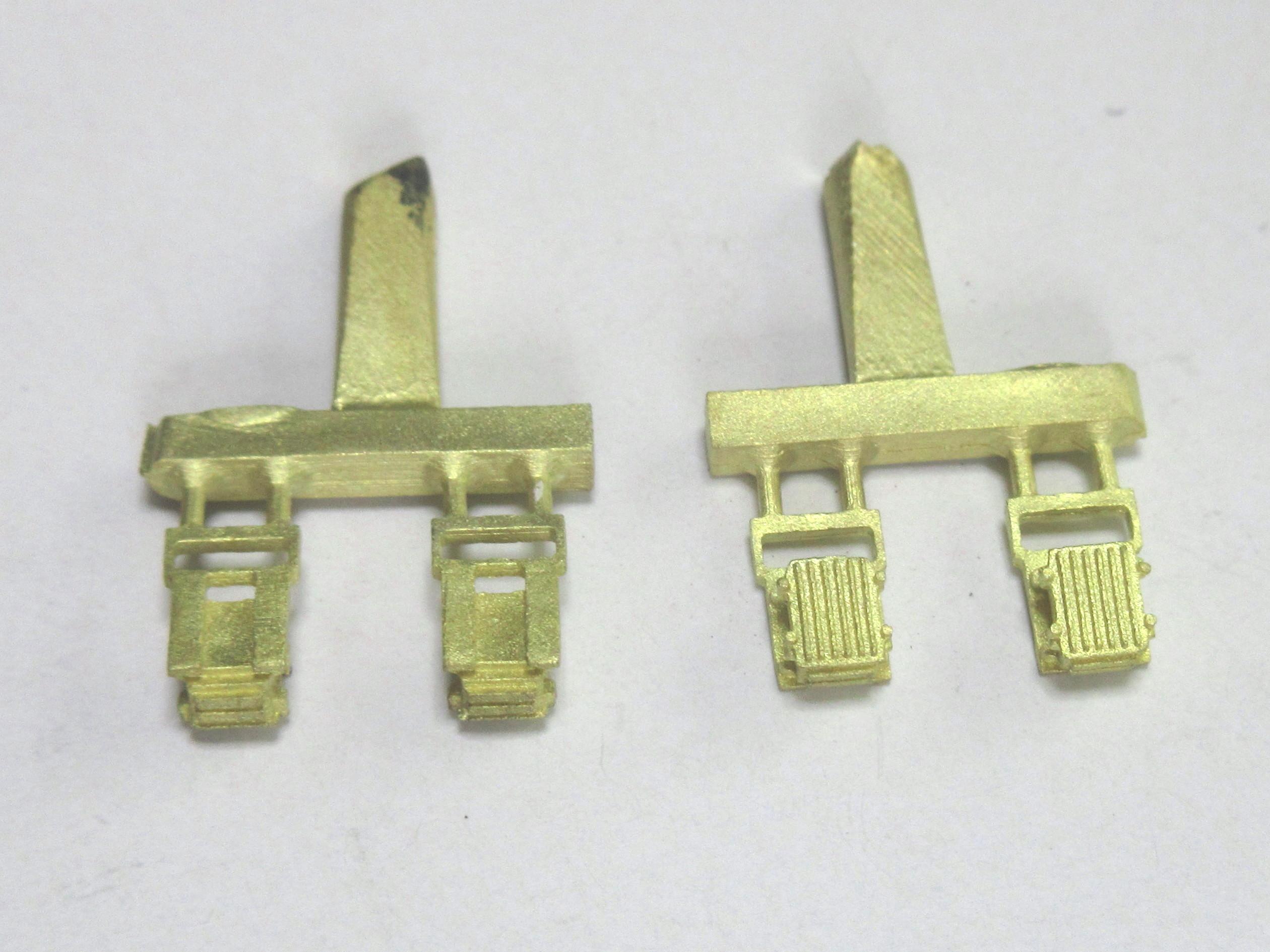 筑波車輌工業 D-006 自動電圧調整器[AVR-9](短)