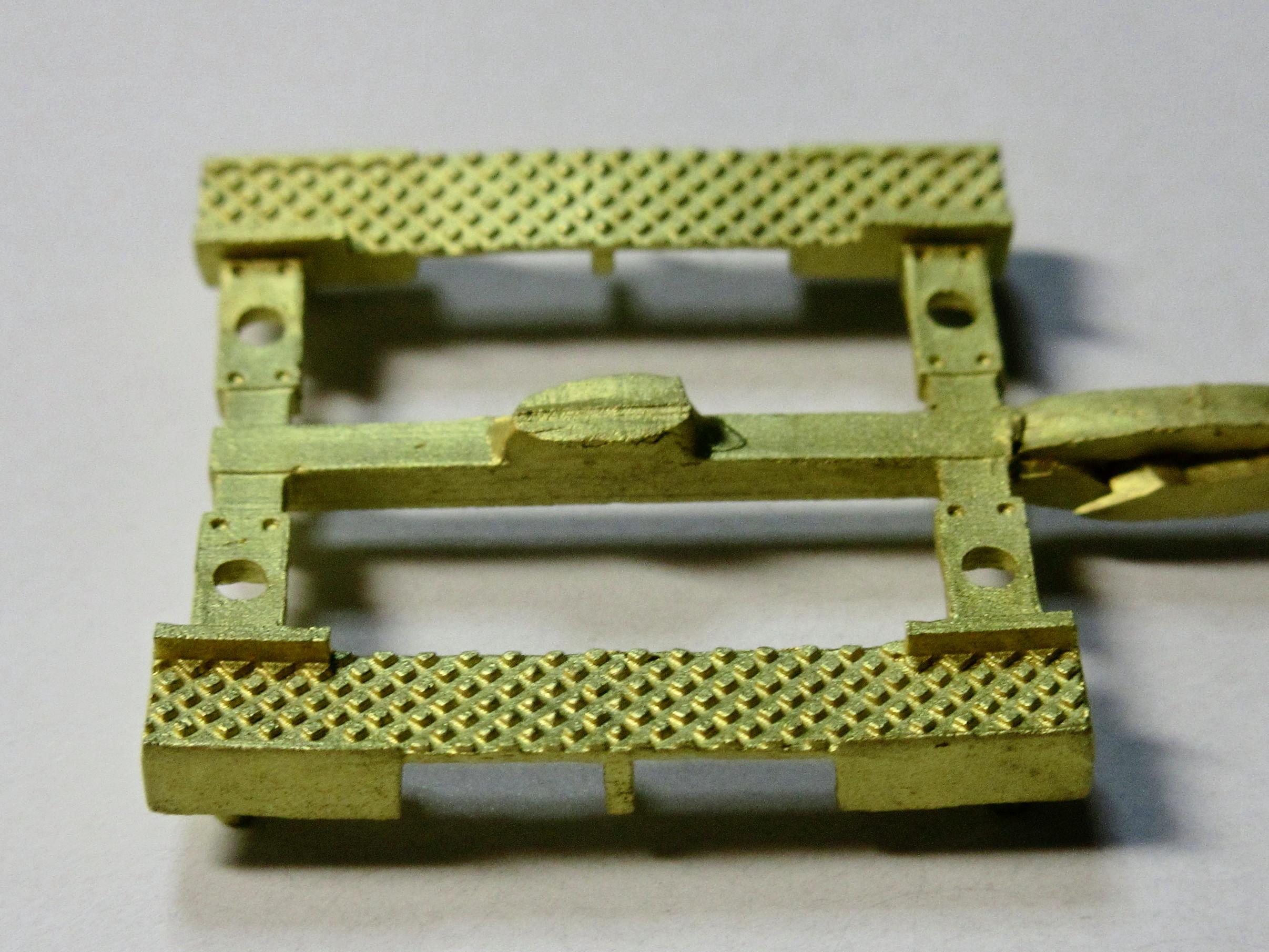 E-071 PS13踏板D(菱目/両端覆い板付)